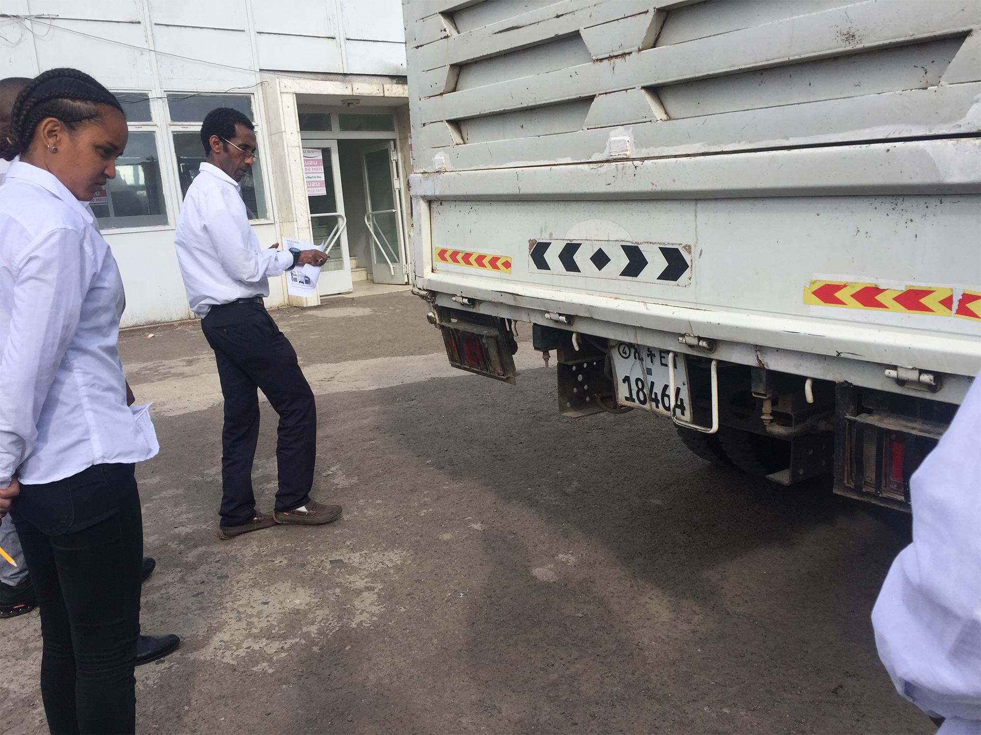 Isuzu Vehicle Receiving for service – Walkaround check